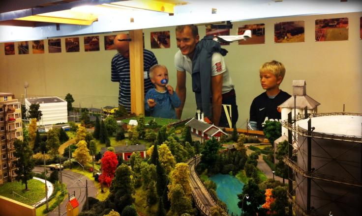 Model togbane
