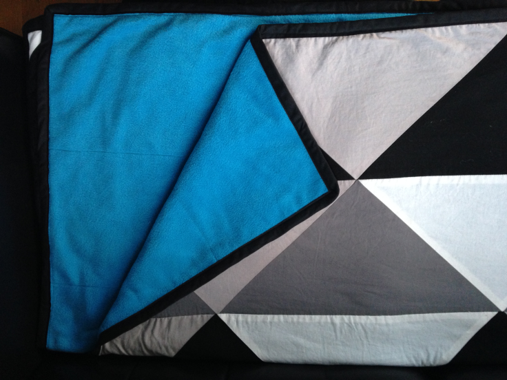 Graphic-patchwork-blanket3